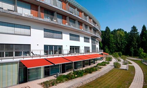 RoMed Klinik Prien am Chiemsee Aussenansicht - Freianlagenplanung RRP